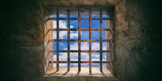 Gevangenis, gevangenis roestig venster en blauwe hemelmening over oude muurachtergrond 3D Illustratie Stock Fotografie