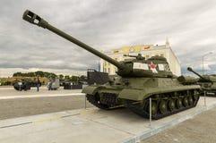 Gevechts Sovjettank, een tentoongesteld voorwerp van militair-historisch Museum, Ekaterinburg, Rusland, 05 07 2015 Royalty-vrije Stock Afbeelding