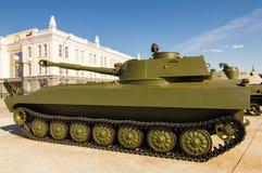 Gevechts Sovjettank, een tentoongesteld voorwerp van militair-historisch Museum, Ekaterinburg, Rusland, 05 07 2015 Stock Foto's