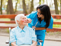 Gevende Verpleegster Royalty-vrije Stock Afbeeldingen