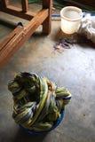 Geverfte draden in Kledingstukfabriek Royalty-vrije Stock Foto's