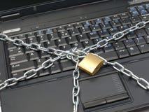 Geverketteter Laptop Lizenzfreie Stockbilder