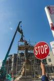 Gevleugelde Victory Statue Hoisted in plaats Stock Foto