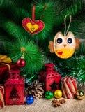 Gevoeld uil en hartspeelgoed Stock Fotografie