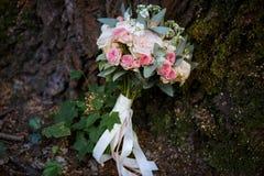 Gevoelig bruids boeket stock fotografie