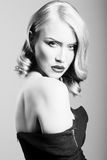 Gevoelig portret van een blonde vrouw Stock Fotografie