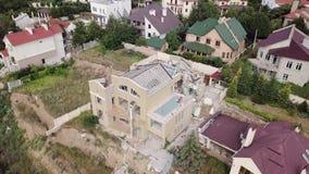 Gevolgen van een grondverschuiving in de stad van Chernomorsk, de Oekraïne Lucht Mening stock footage