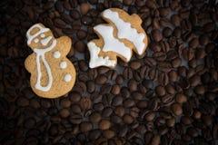 Gevormd koekjes met de hand gemaakt geschilderd suikerglazuur royalty-vrije stock fotografie