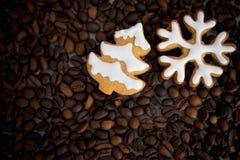 Gevormd koekjes met de hand gemaakt geschilderd suikerglazuur royalty-vrije stock foto