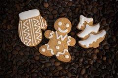 Gevormd koekjes met de hand gemaakt geschilderd suikerglazuur stock fotografie