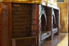 Gevormd wooddesk in bar Royalty-vrije Stock Afbeelding