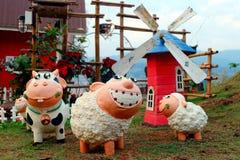 Gevulde ceramische schapen stock afbeelding