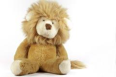 Gevulde leeuw op witte achtergrond Royalty-vrije Stock Afbeeldingen