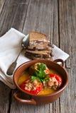Gevulde paprika met vlees en brood Royalty-vrije Stock Afbeeldingen