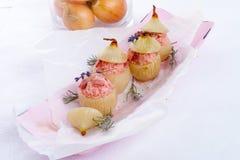 Gevulde uien met roze rijst Royalty-vrije Stock Afbeelding