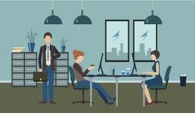 Gewöhnliches Büroleben Lizenzfreie Stockfotos