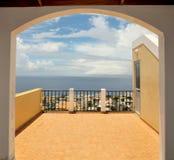 Gewölbter Eingang auf Dachspitze Lizenzfreie Stockfotografie