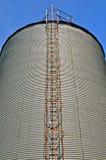 Gewölbter Stahlbehälter lizenzfreie stockbilder