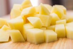 Gewürfelte Kartoffeln stockfotos