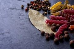 Gewürz- und Eco-Teigwaren aus Italien stockfotos