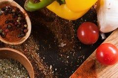 gewürze Kulinarisch, Küche, Rezepthintergrund Lizenzfreie Stockfotografie