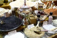 Gewürze und aromatisches Salz Stockfotografie