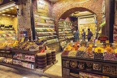 Gewürze und Tees auf dem ägyptischen Markt stockbild