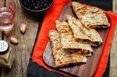 Gewürzter Quesadilla Süßkartoffel der schwarzen Bohnen Lizenzfreies Stockfoto