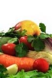 Gewaschenes Gemüse für Salat stockfotografie
