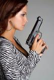 Gewehr-Frau lizenzfreie stockfotografie