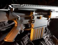 Gewehr mit orange Farbe Stockfotos