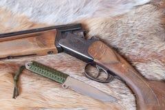 Gewehr und Messer Lizenzfreie Stockbilder