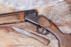 Gewehr und Messer Lizenzfreie Stockfotos