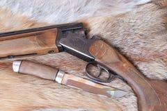 Gewehr und Messer Lizenzfreie Stockfotografie
