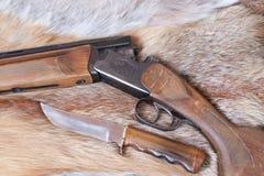 Gewehr und Messer Lizenzfreies Stockbild
