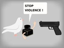 Gewehr und pegion mit Tinte Stockfoto