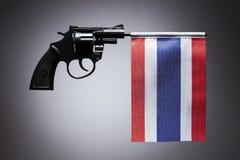 Gewehrverbrechenkonzept der Handpistole lizenzfreie stockfotos