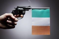 Gewehrverbrechenkonzept der Handpistole stockfoto
