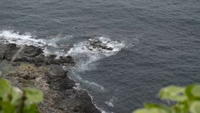 Gewelltes Meer in einer windigen Luft stock video