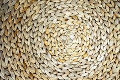 Geweven achtergrond van een cirkelzeewier geweven patroon, close-upachtergrond stock foto's