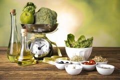 Gewicht für das Wiegen der Nahrung stockbilder