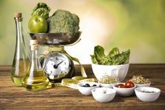 Gewicht für das Wiegen der Nahrung lizenzfreie stockfotografie