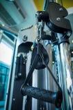 Gewichte auf anhebender Maschine Stockbild