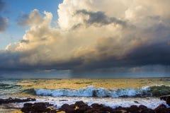 Gewitter über dem Meer Stockfoto