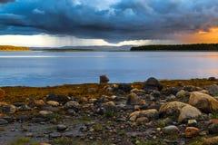 Gewitter über dem weißen Meer Stockfoto