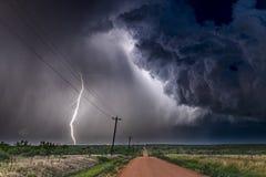 Gewitter über Feld in Roswell New Mexiko Stockbilder