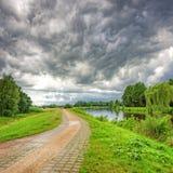 Gewitter in dem Hunte-Fluss Stockbild