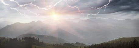 Gewitter in den Karpaten Lizenzfreies Stockfoto