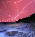 Gewitter im Ozean Stockfotos