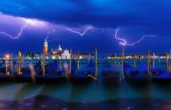 Gewitter mit Blitz im Himmel auf Grand Canal Stockfoto